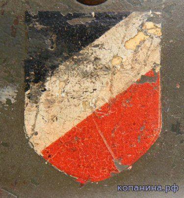 национальный триколлор на немецком шлеме