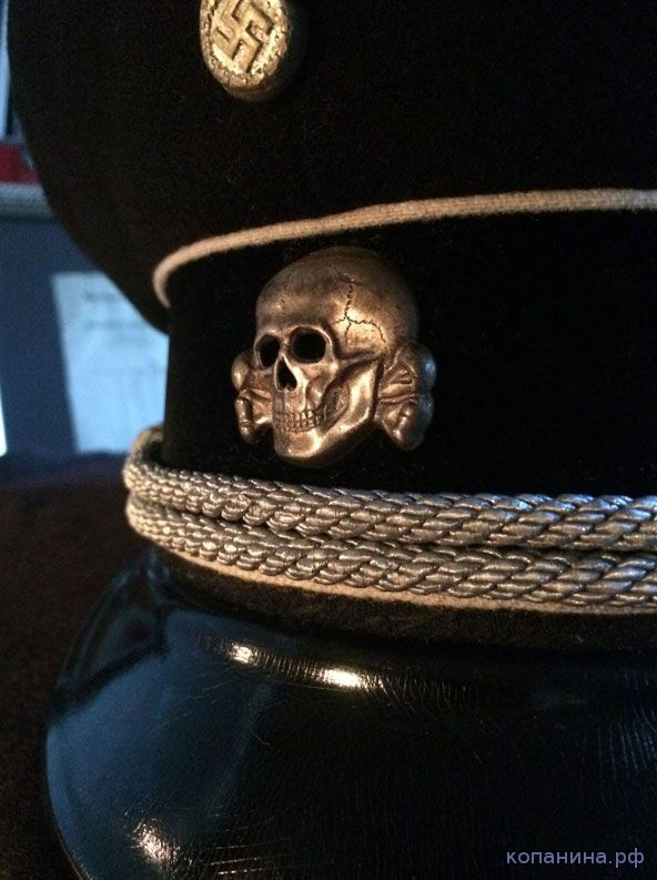 мертвая голова на фуражке СС