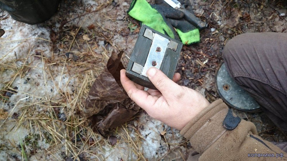 магнитная мина из схрона оружия для диверсантов